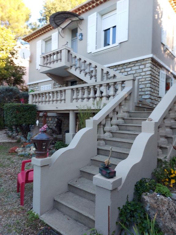 Draguignan proche centre Villa F5 130 m2 sur 540m terrain tt à l'égout 32250€ crn2149