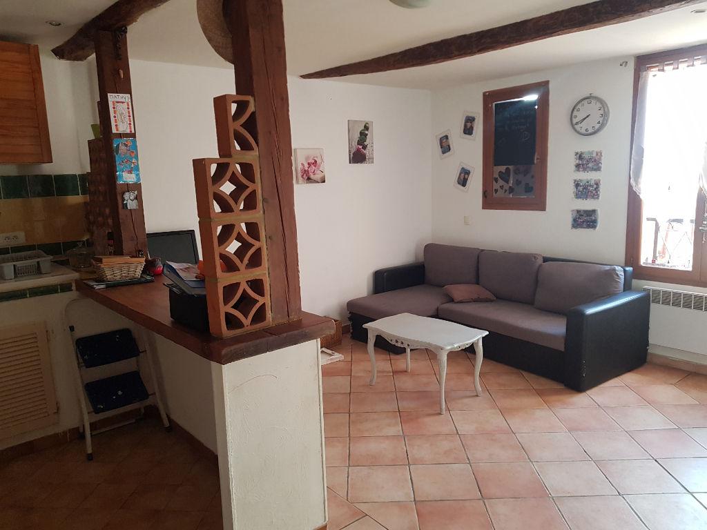 Exclusivité Draguignan centre joli F2 dans petit immeuble 64000€ crn2146