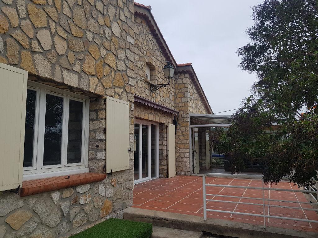 Exclusivité Draguignan villa F4+studio ind terrasse véranda terrain 1200m 346000€ crn2159