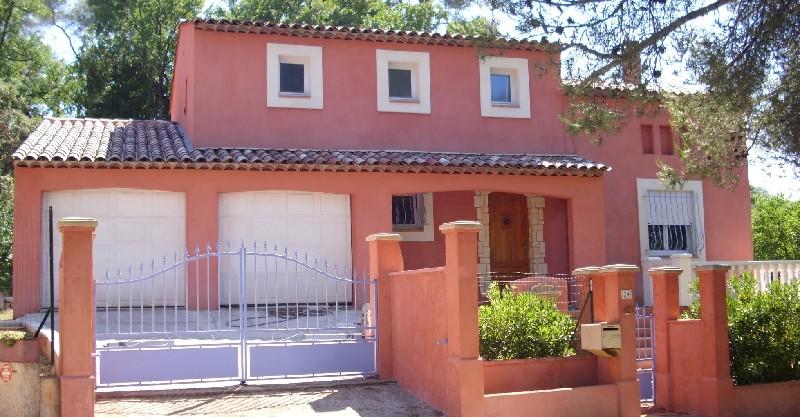 photo de A découvrir villa récente F6 144m 2400m terrain garage terrasse 447000Euro