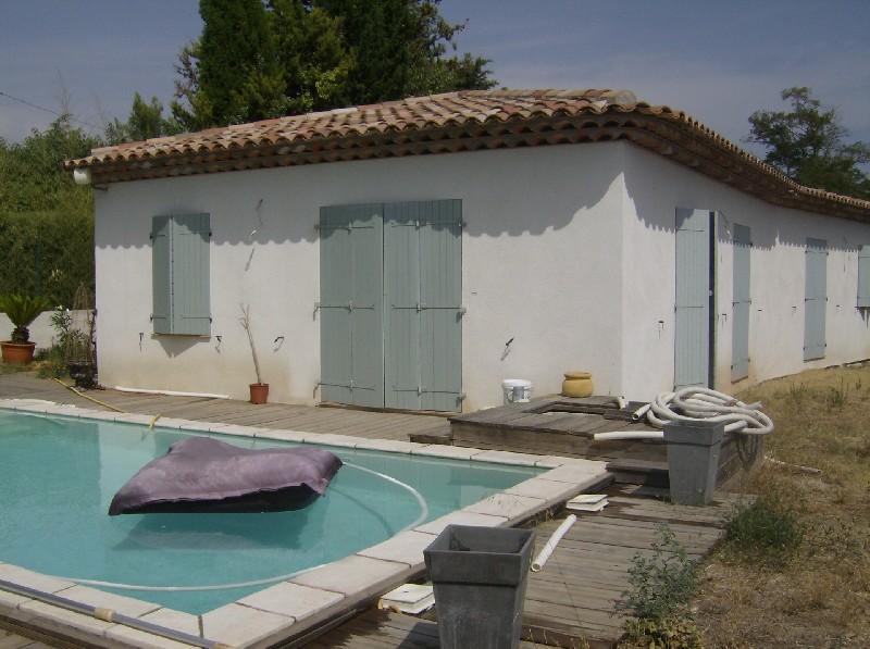 photo de Draguignan belle villa f4 pp 110m en bon état 600m terrain piscine 429000Euro négociable Agence Idim