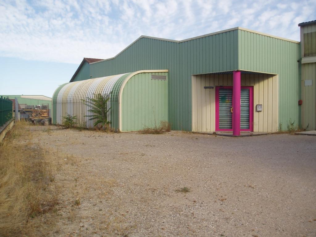 Jujurieux Entrepôt / local industriel