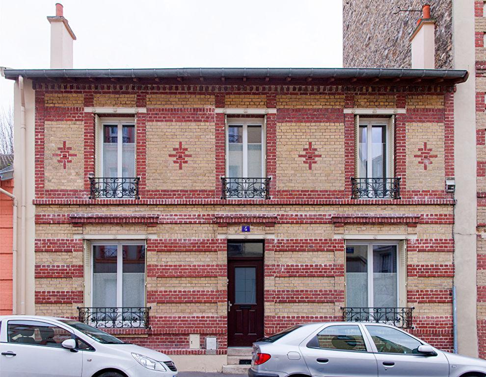 Maison Saint Denis 9 pièce(s) 200 m2