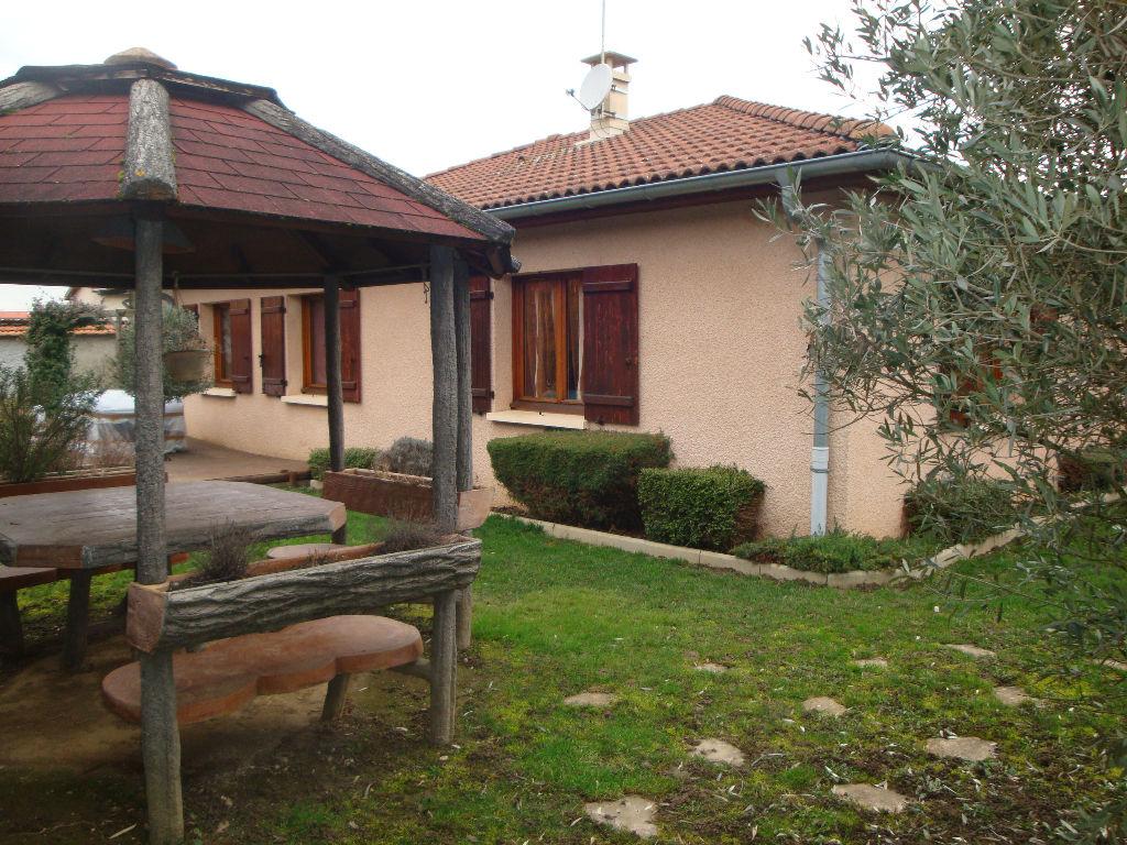 Saint Priest Village : Maison  120 m2 sur terrain de 650 m²