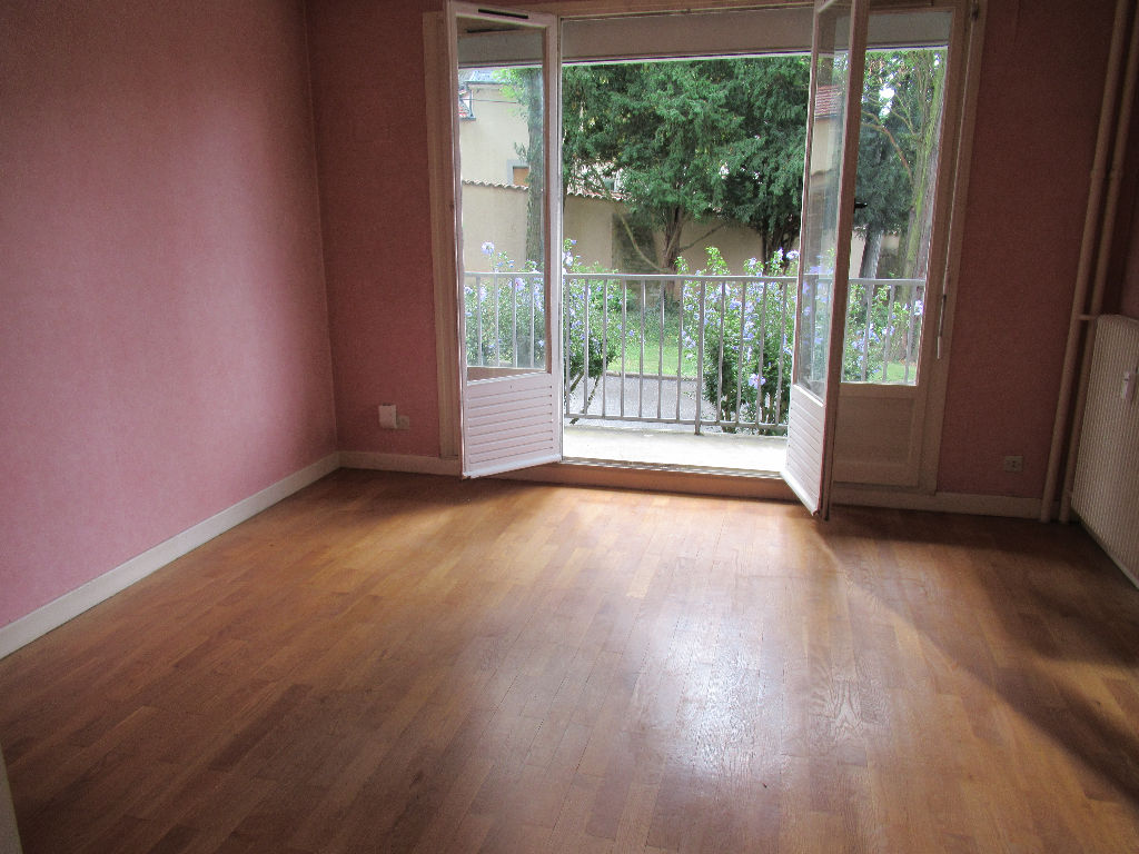 Appartement Fontaines Sur Saone : grand T2 55.52 m2 + parking
