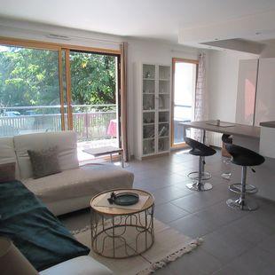 Saint Genis Laval : T4 90 m2 + garage double