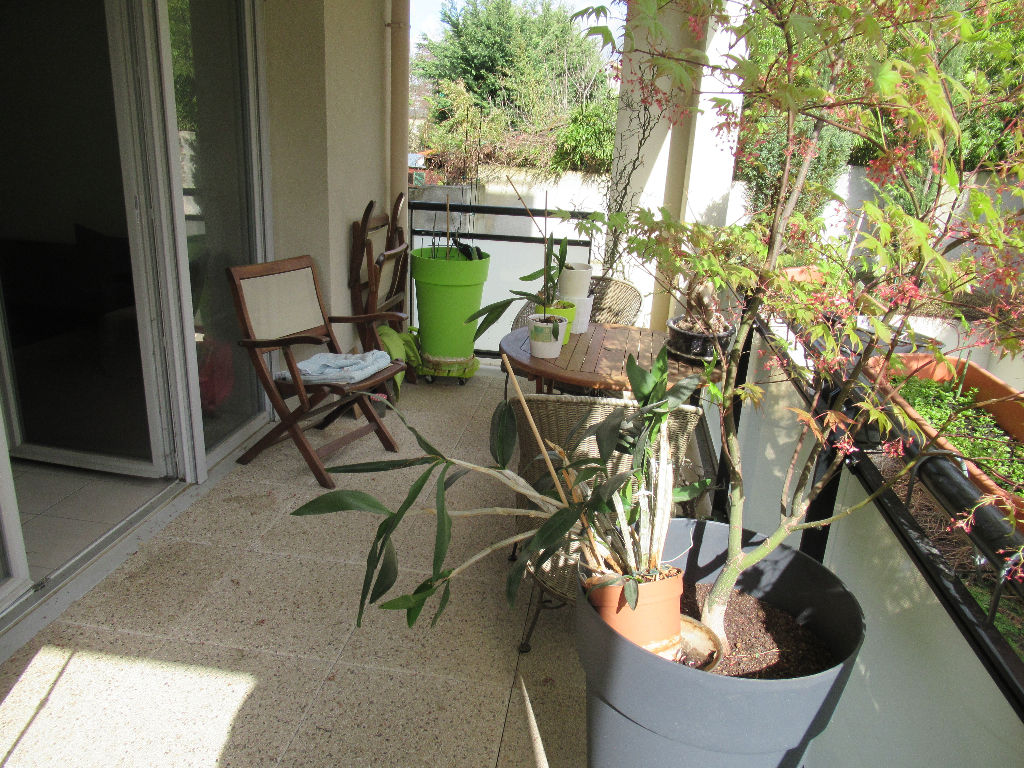 Appartement Saint Priest Village : T3 52.30 m2