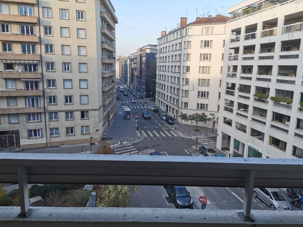 Lyon 7ème : T3 de 71,89 m2 + cave