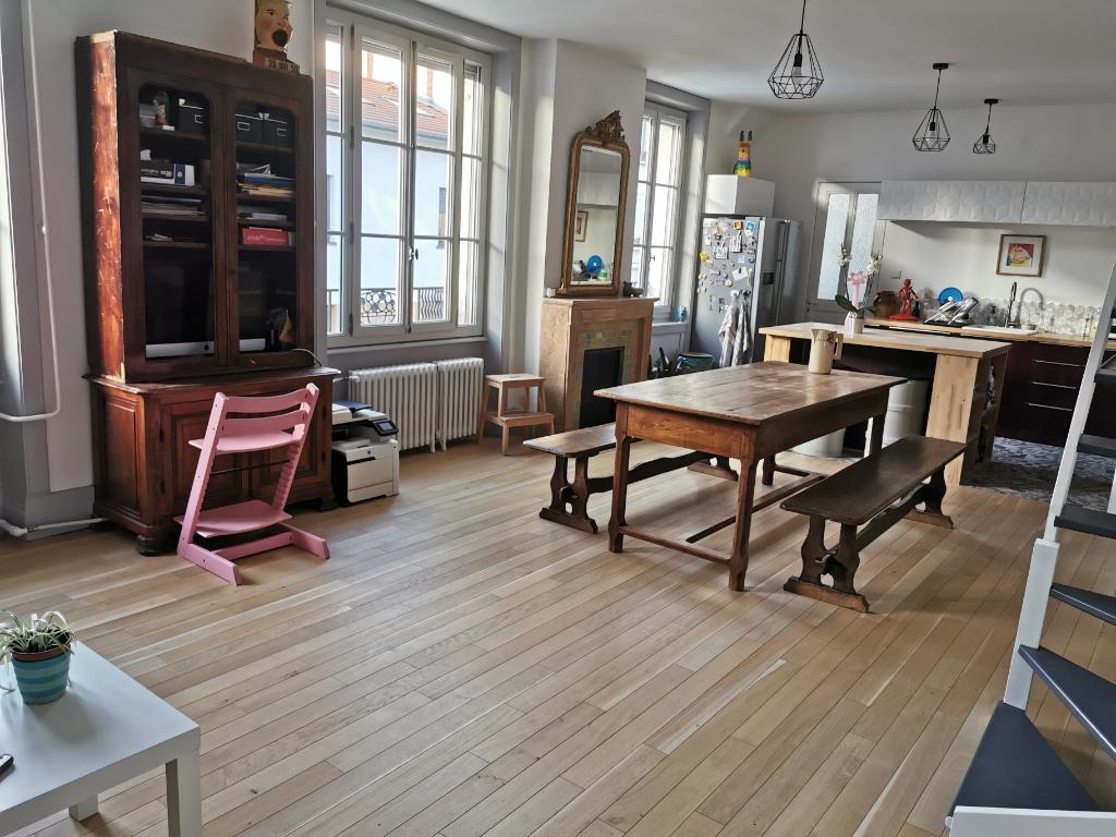 Lyon 8 :  T5 duplex de 125 m2