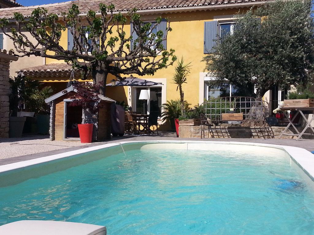 Mas provençal 150 m² avec piscine, au coeur du village