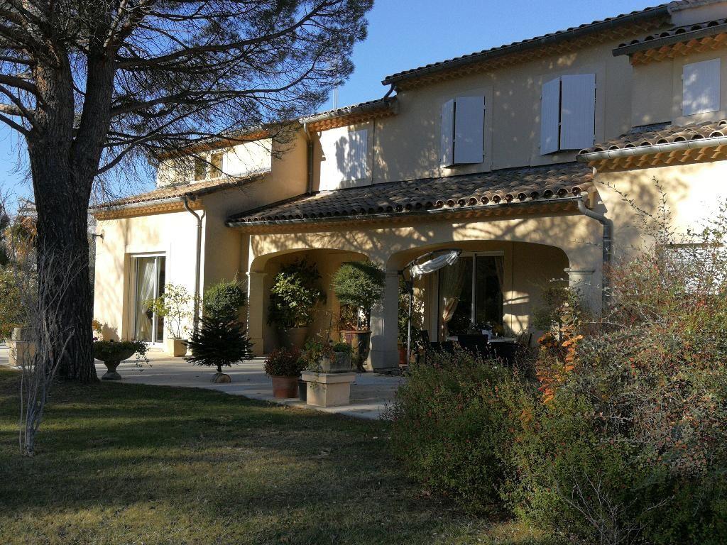 Villa 5 chambres - 300 m²