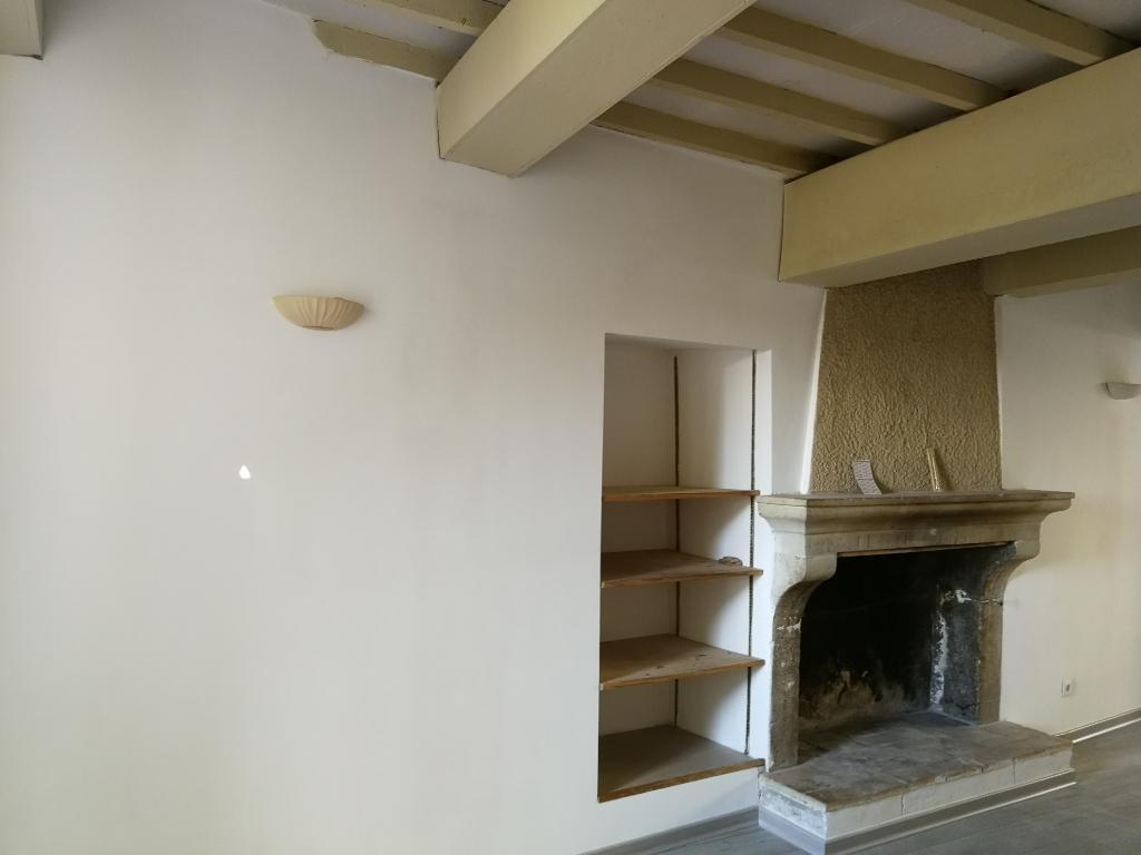 Maison pierre 63 m² rénovée avec goût