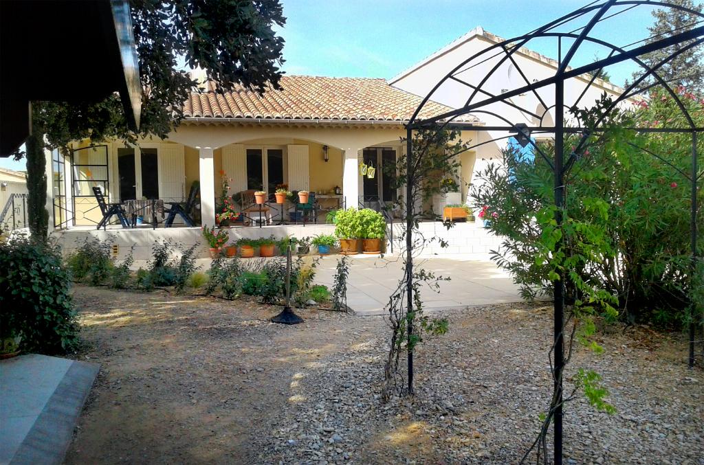Etat irréprochable pour cette villa de 170 m² avec piscine.