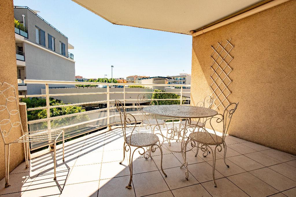 Appartement 3 pièces en centre ville de Saint Raphaël