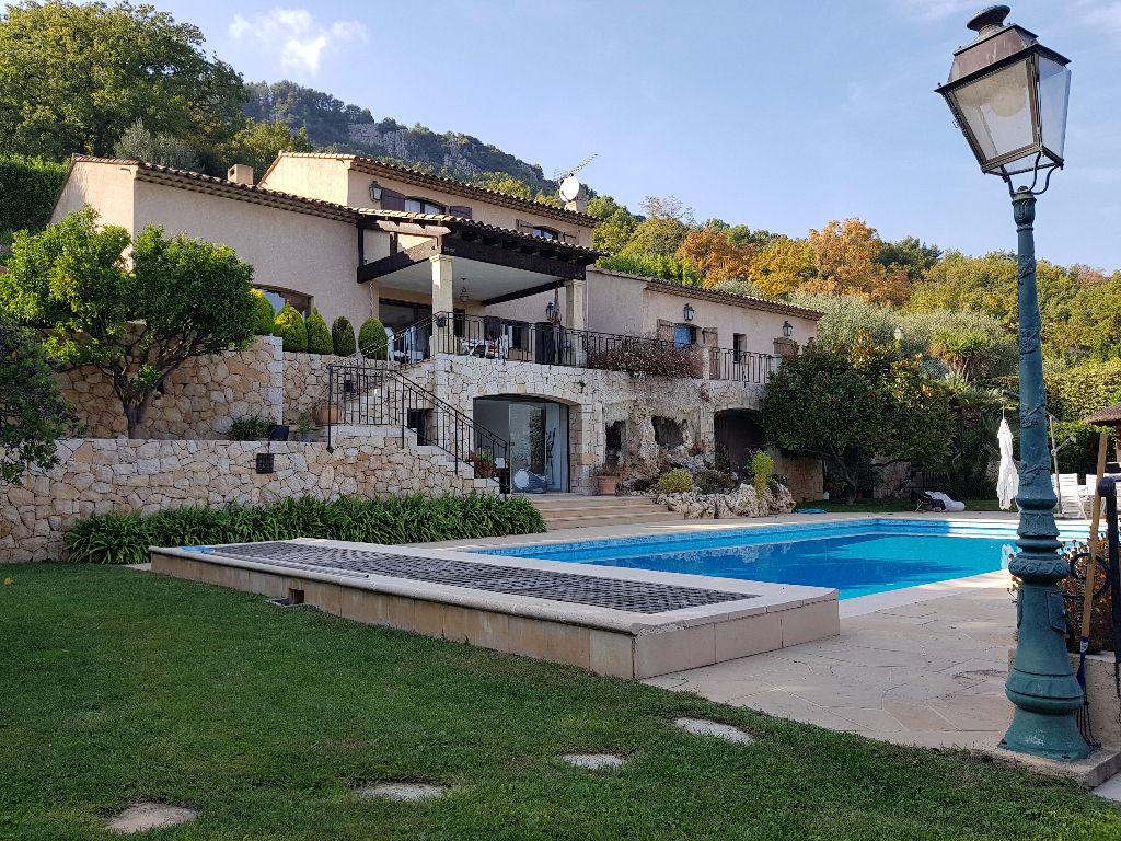 Villa Le Bar Sur Loup 15 pièce(s) 400 m2
