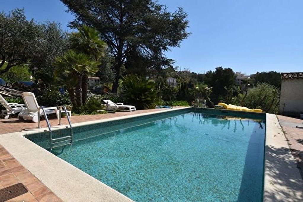 Villa provençale d'environ 210 m² sur 1650 m² sur les hauteurs du Cannet