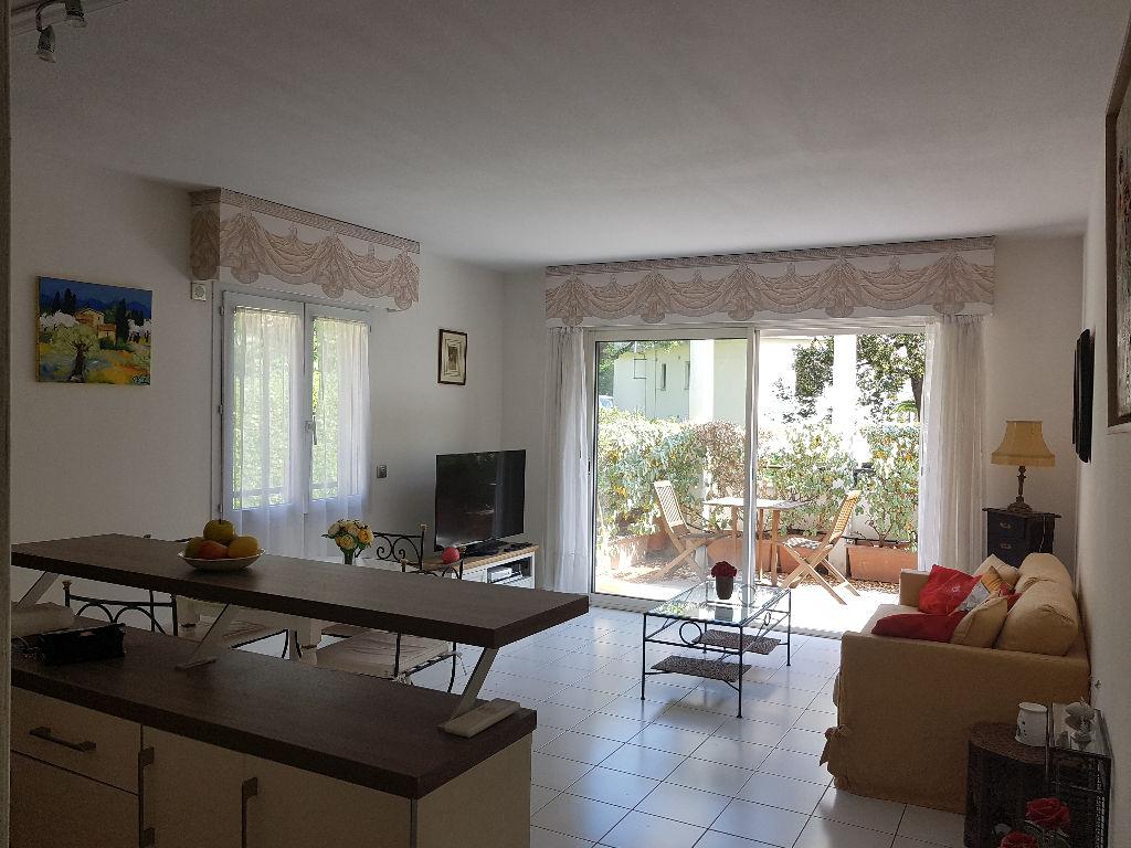 Appartement 3 pièces de 60 m², dernier étage, sur Le Cannet