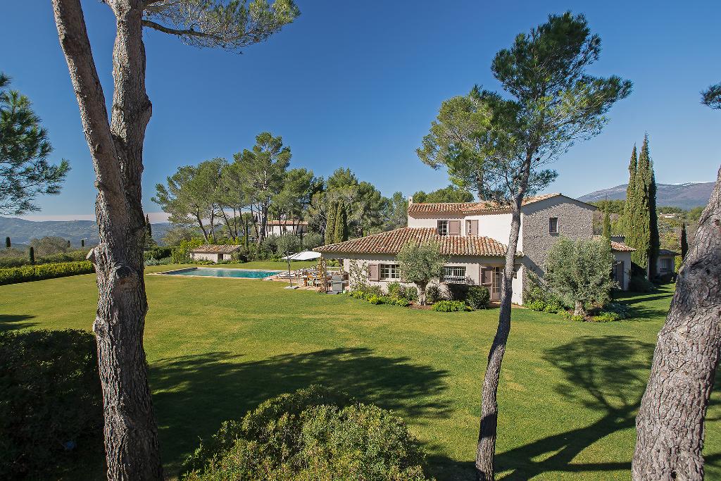 Proche Mougins - Castellaras - villa de 275 m² sur 5000 m² de terrain