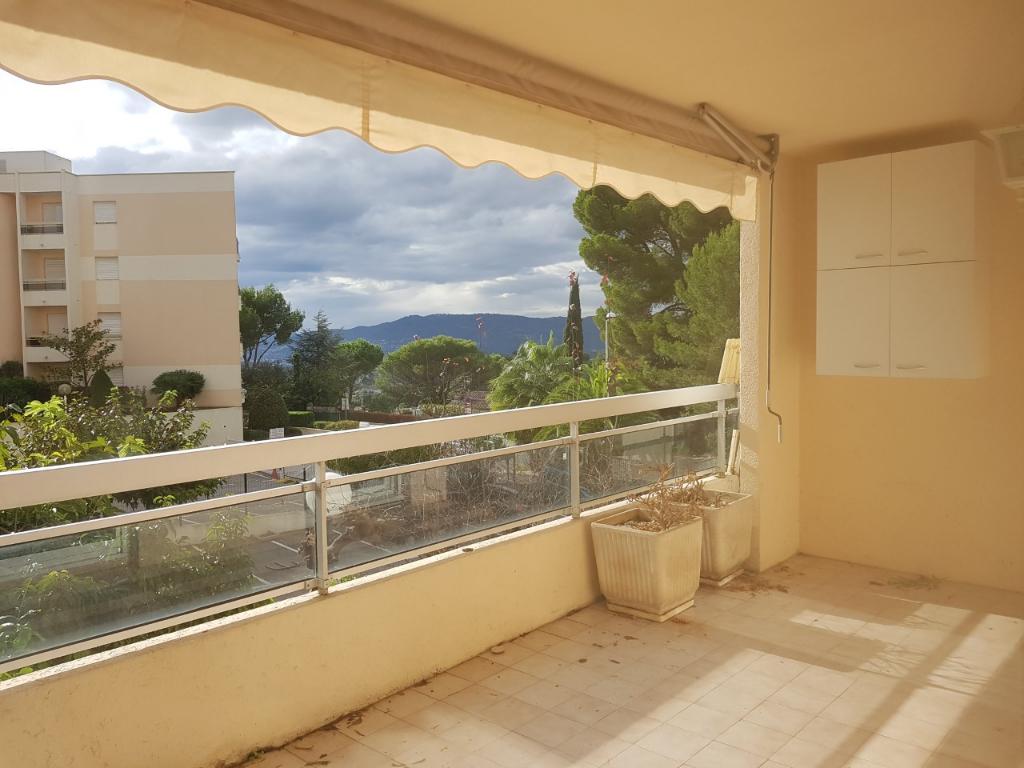 Appartement 3 pièces  de 63 m² sur les hauteurs de Cannes