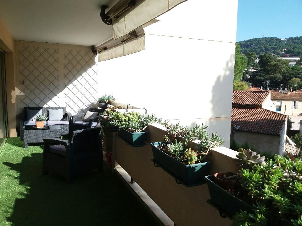 Appartement Le Cannet 2 pièces de 50 m² avec vaste terrasse