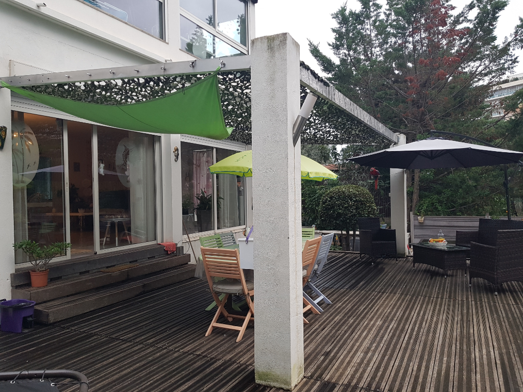 Appartement - bas de villa 3 pièces de 85 m² sur Cannes