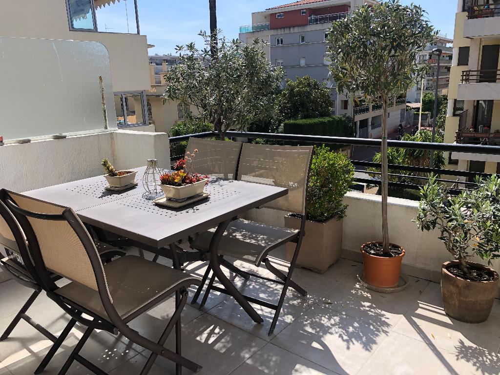 Appartement Cannes 3 pièce(s) 91.052 m2