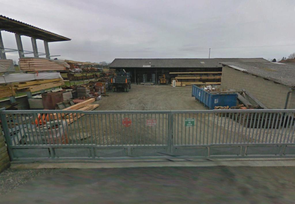 Local d'activité de 350 m² sur Roche