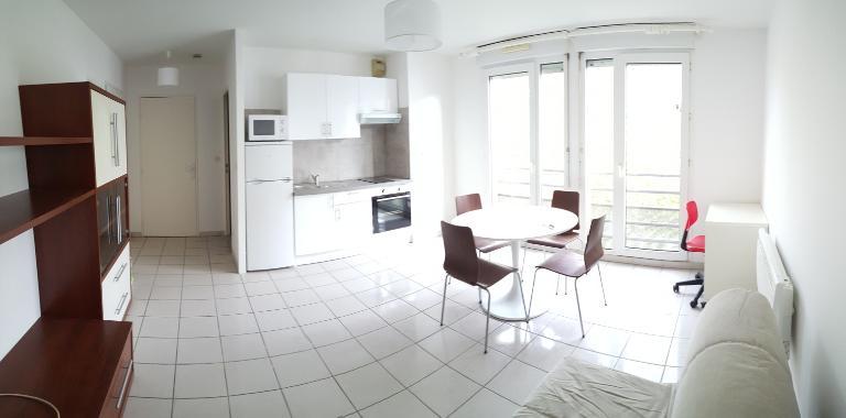 LYON 3 Montchat, studio 28 m² avec Garage