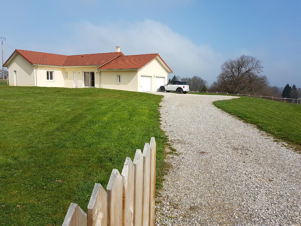 Secteur Montceau-Bois de Cessieu, Villa de 120 m² + garage double sur 2698 m² de terrain