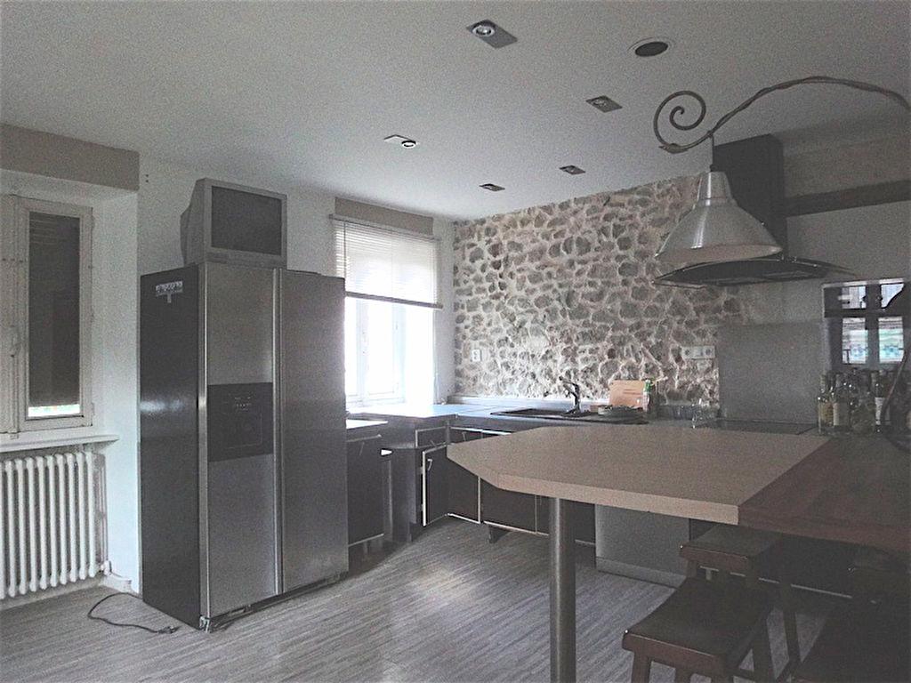 Grande maison à Saint Julien Molin Molette 8 pièce(s), 160 m2 avec  grand sous-sol et combles, possibilté 2 logements ou grande habitation....