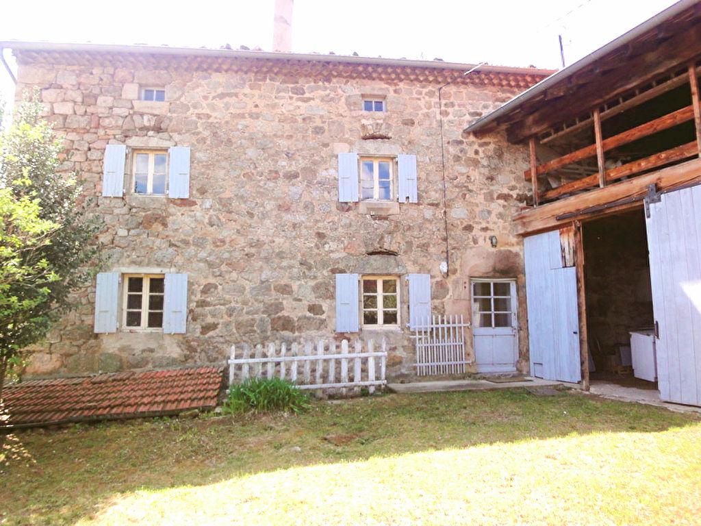 Charmante maison en pierre  de 85m2 avec grange, dépendance et  terrain à Vanosc, près d'Annonay