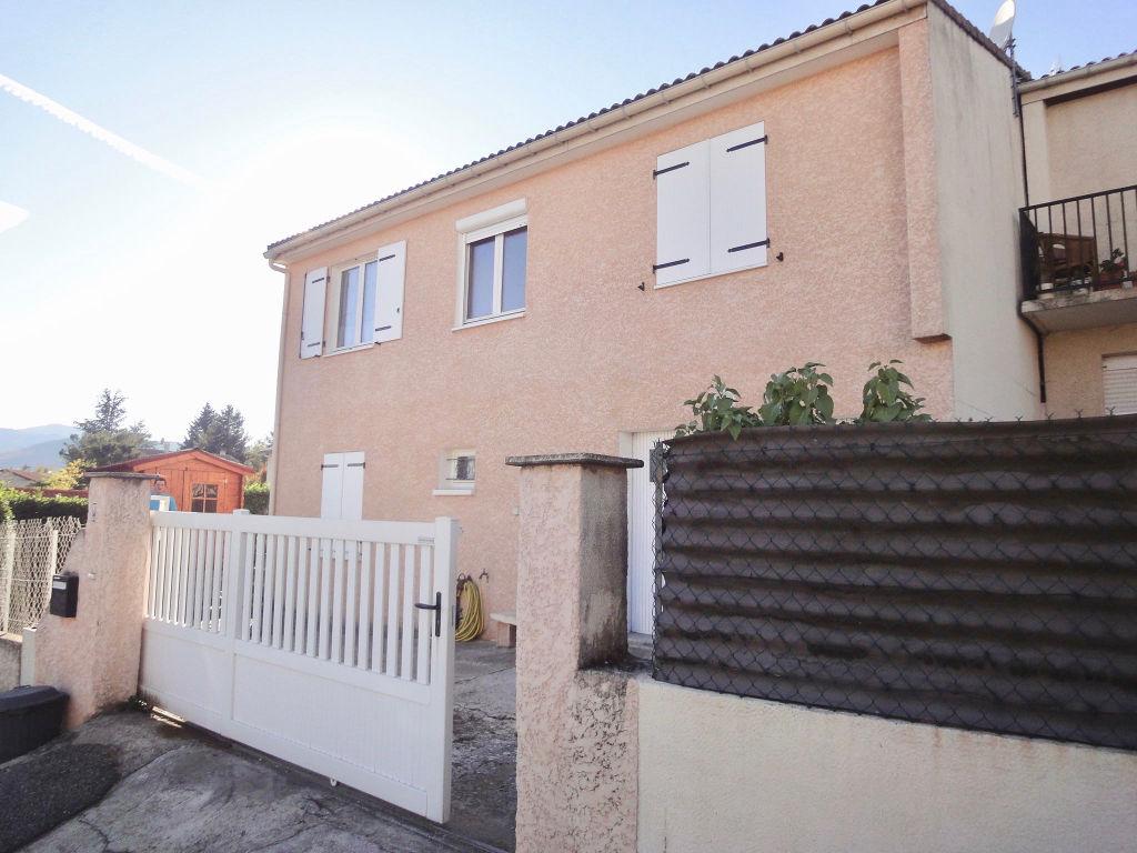 Maison de 90m2 habitable avec un sous-sol complet, une terrasse couverte, un jardinde 359 m2 à Annonay