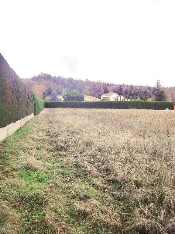 Magnifique terrain plat de 950 m2 viabilisé proche d'annonay, libre constructeur