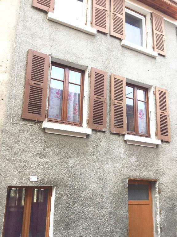 Charmante maison de village en pierre avec terrasse à Saint Julien Molin Molette