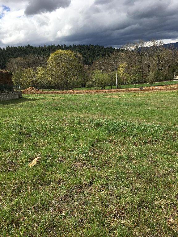 Magnifique terrain viabilisé de 1240 m2 à Annonay