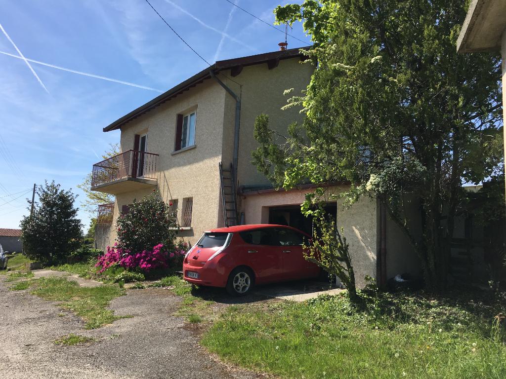 Magnifique maison  de 71m2 avec sous sol complet et un terrain de 1550 m2  proche de Roiffieux à Annonay