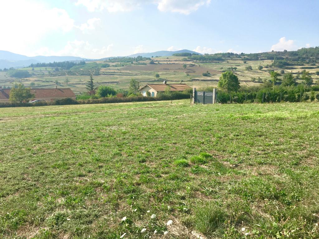 Très beau terrain de 1017 m2, viabilisé, libre constructeur,  à Annonay
