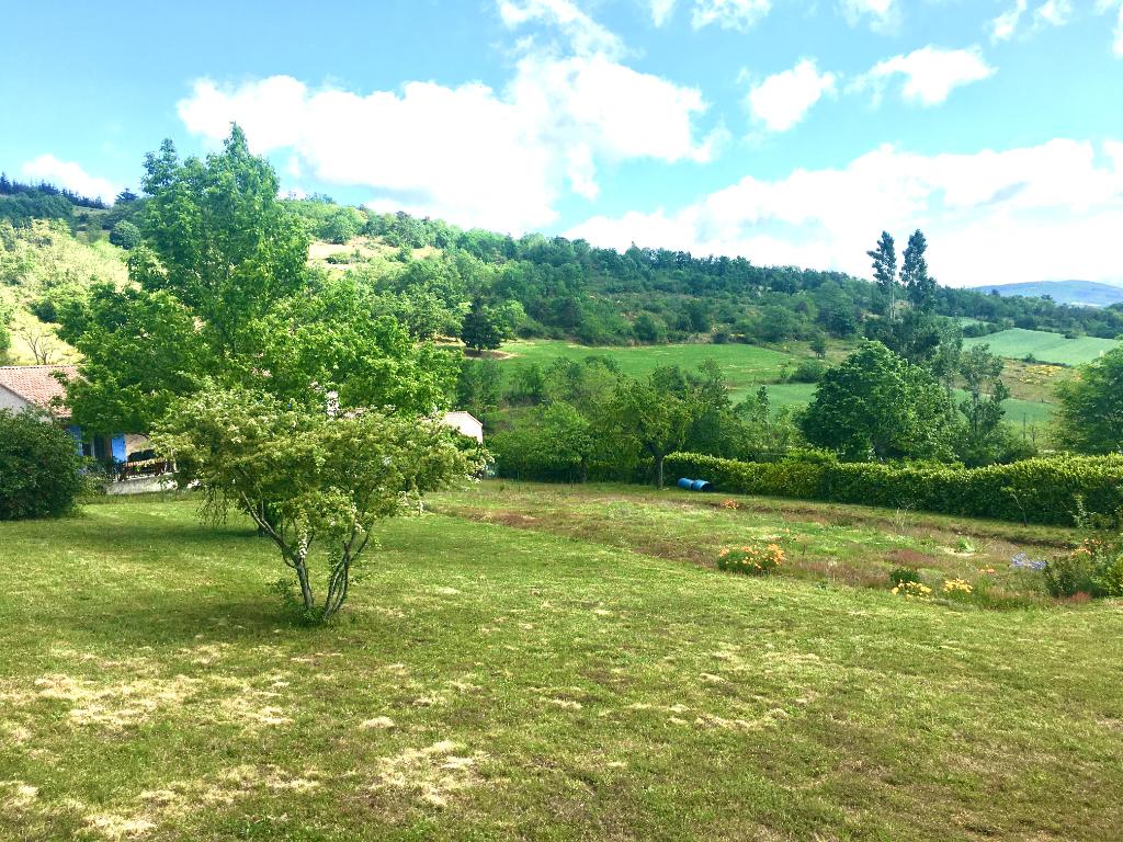 Magnifique terrain plat viabilisé de 1450 m2 à Boulieu Les Annonay, à 20 minutes de l'autoroute