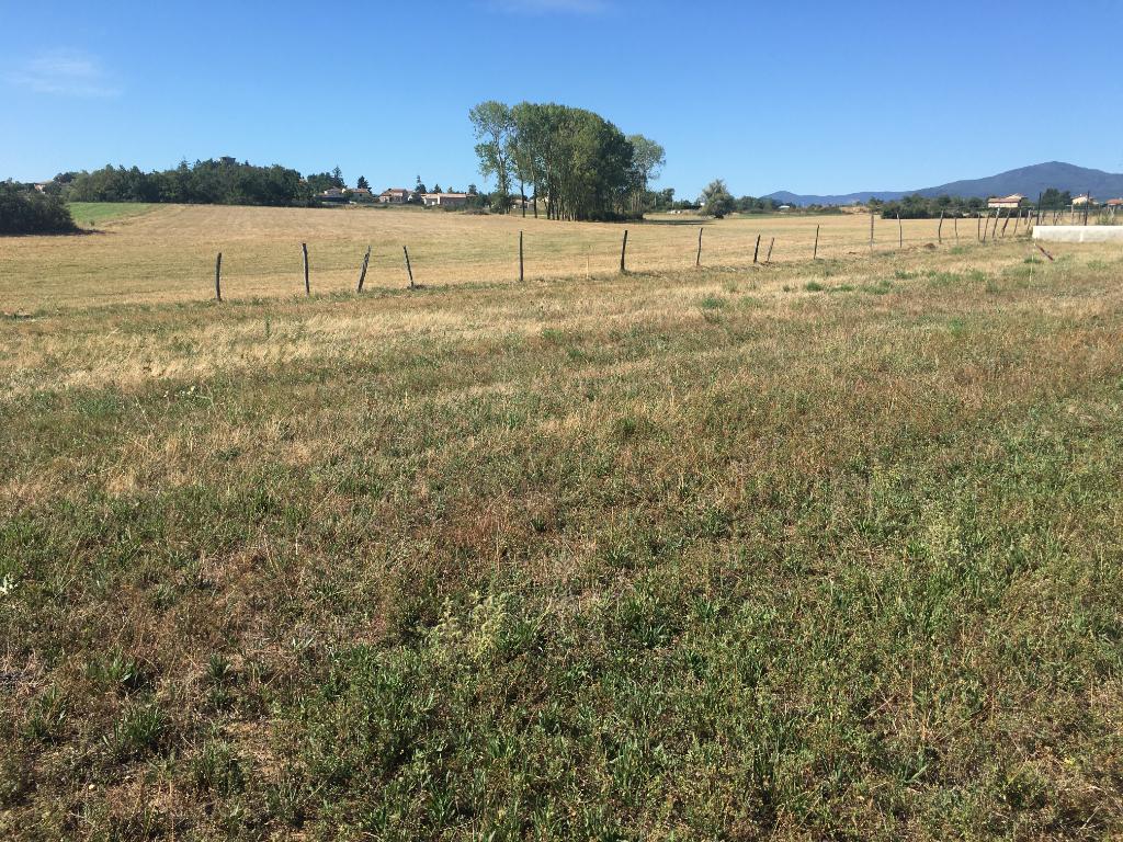 Terrain  constructible, plat viabilisé de 780 m2 à Vernosc Les Annonay