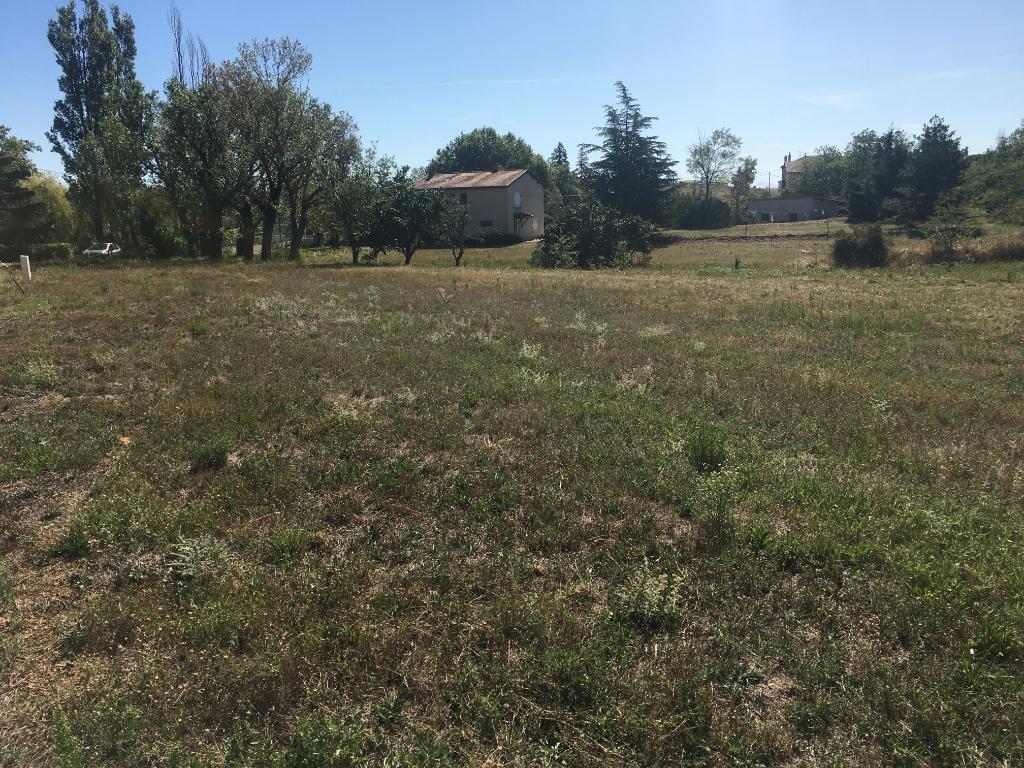 Magnifique terrain de 771 m2 Viabilisé, plat, libre constructeur à Vernosc Les Annonay proche vallée du rhône