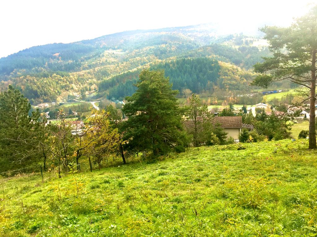 Exceptionnel, terrain de 2490 m2, avec une vue dégagée à 5 minutes d'Annonay