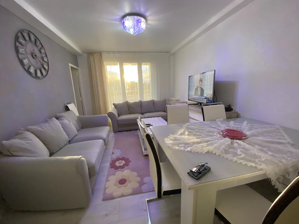 Magnifique appartement de 67 m2 avec 3 balcons et 3 chambres à Annonay , proche commodités