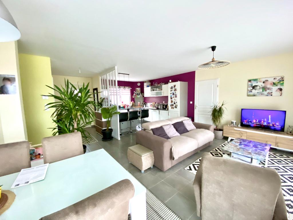 Magnifique maison de 91 m2 avec 3 chambres et un terrain 300 m2  avec une vue exceptionnelle à Annonay