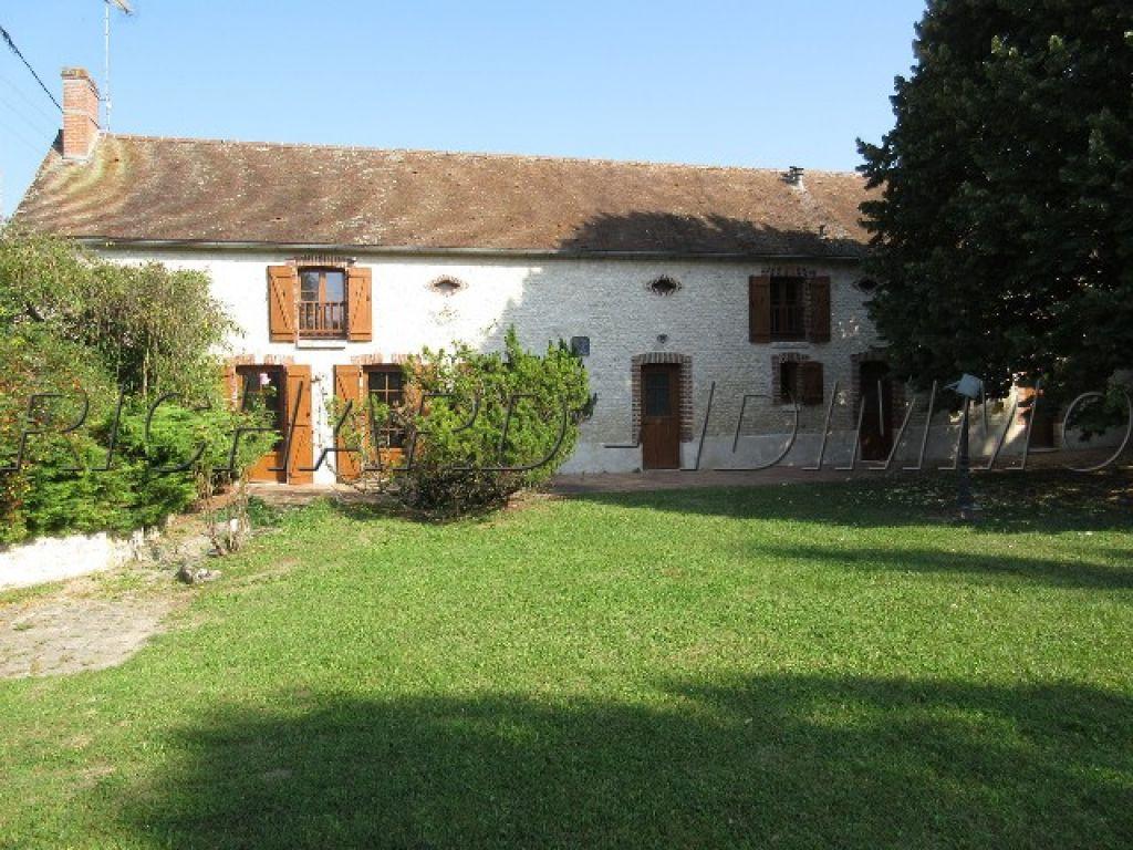 Maison A VENDRE 160 m² / 4 Pièces - Terrain 2700 m² - Chateau-Landon Proche