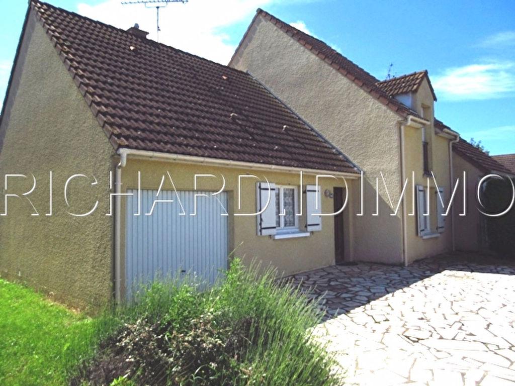 Maison A VENDRE sur 498 m² de Terrain + Garage Attenant
