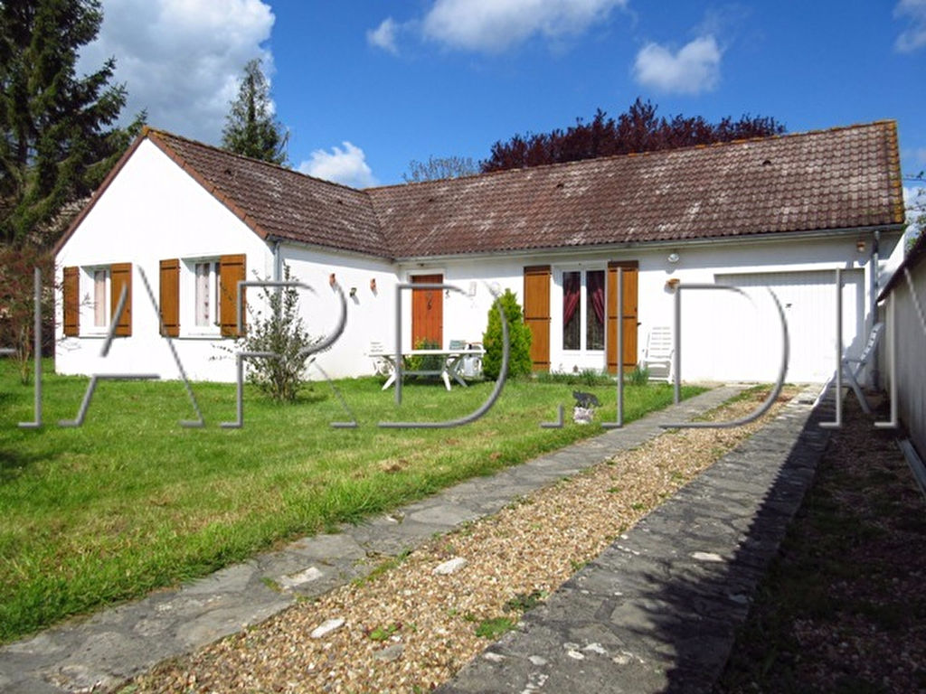 Maison A VENDRE sur 1261 m² de Terrain + Garage Attenant