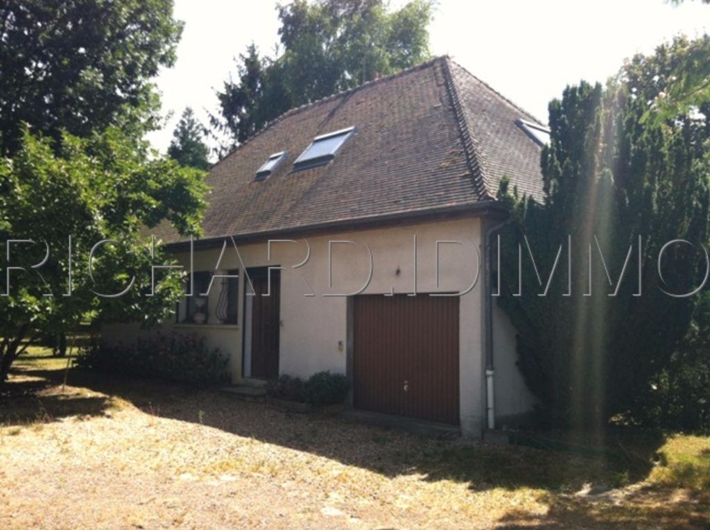 Maison A VENDRE sur terrain de 2140 m² + divers dépendances