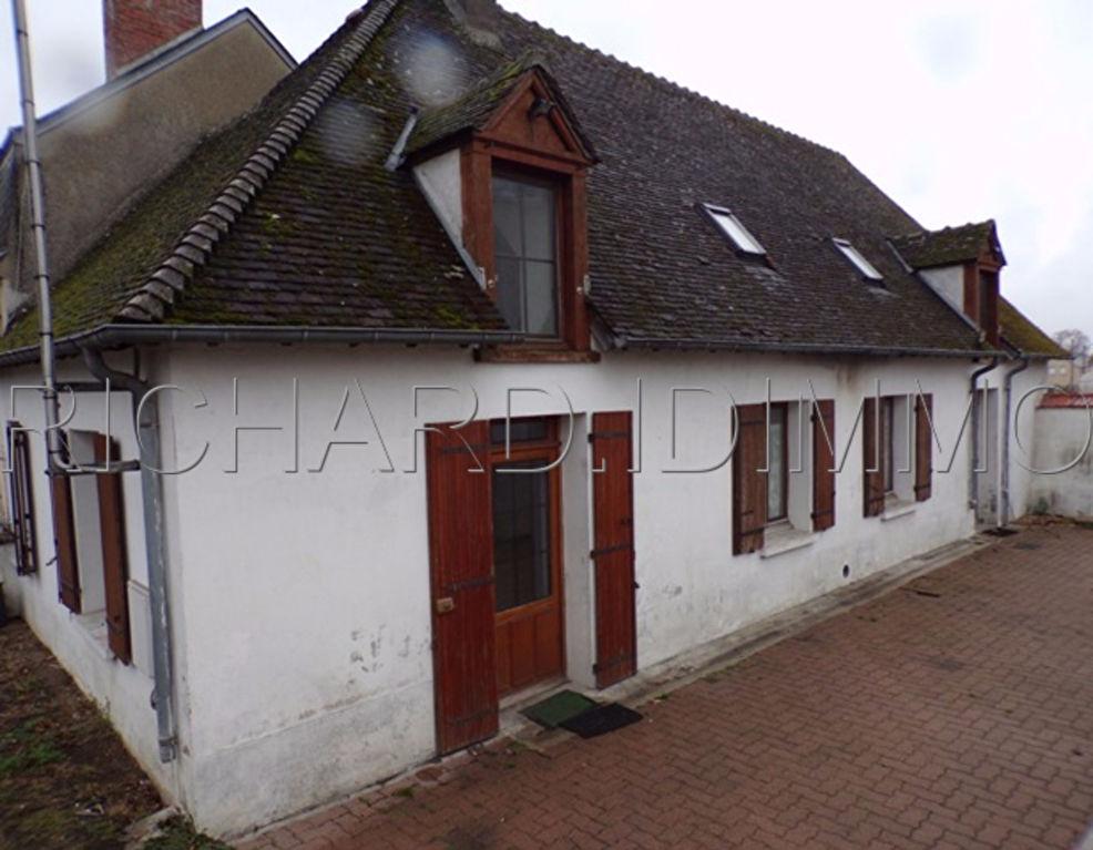 Maison A VENDRE jardinet et cour Pavée + dépdendance