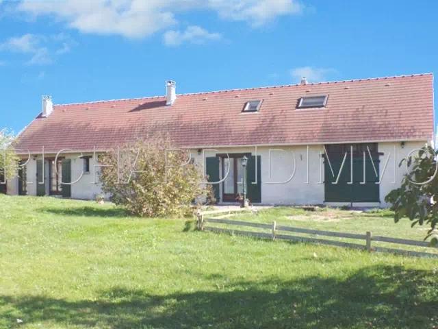 Maison A VENDRE sur 2009 m² de terrain + Dépendance