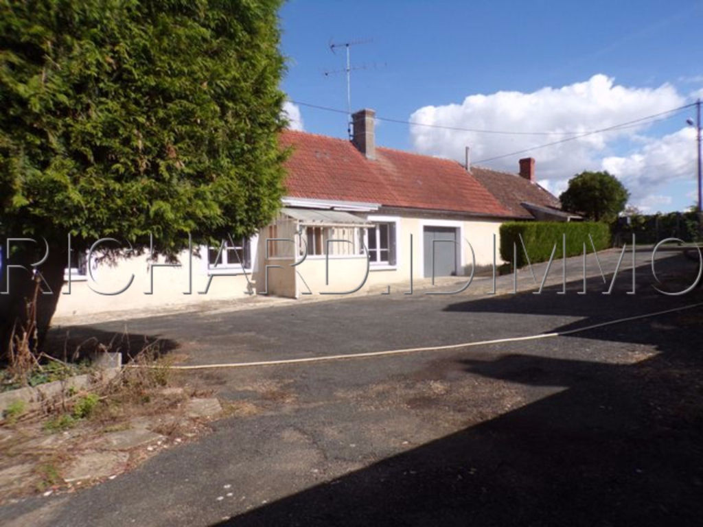 House FOR SALE on 2114 m² of land